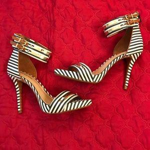 New Gorgeous Gianni Bini Striped Heels